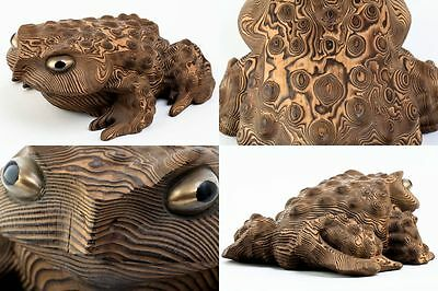 Japanese Traditional Crafts JINDAISUGI Lignitised Cedar Carving Toad Frog w/Box