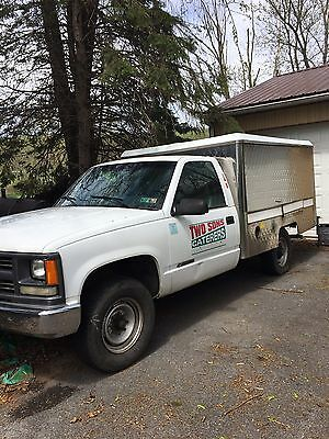 Stainless Steel Catering Lunch Truck Food Truck 2000 Chevy 2500 HD