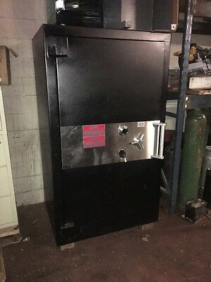 Large Trtl30x6 Safe Made By Access Bank Safe Jewelry Safe