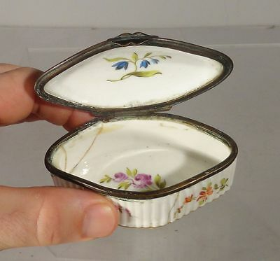 Antique Meissen Blueberry Porcelain SNuff Jewelry Box Floral Damaged As Is
