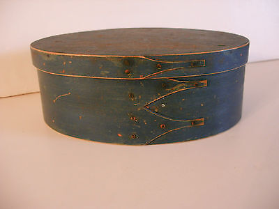19th c. Oval Blue Shaker Box - 3 Fingers