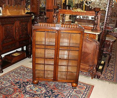 Beautiful English Antique Art Deco Oak Bookcase / Display Cabinet.