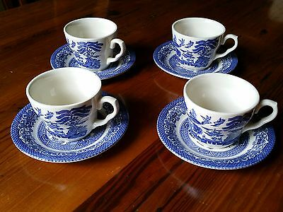 Vintage Blue Willow Tea Cup and Saucer Set of 4 Made in England