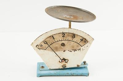 Vintage Kitchen 4 ounce metal scales second hand