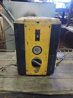Vintage Sunoco Gas Co. Station Wall Mount Battery Charger, Model 12-HA (EX)