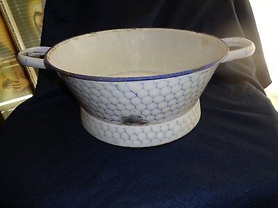 Vintage Graniteware Chickenwire/Chicken Wire Colander