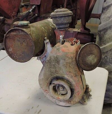 Vintage Lauson Single Cylinder Gas Engine, Early, Hit and Miss (AE)
