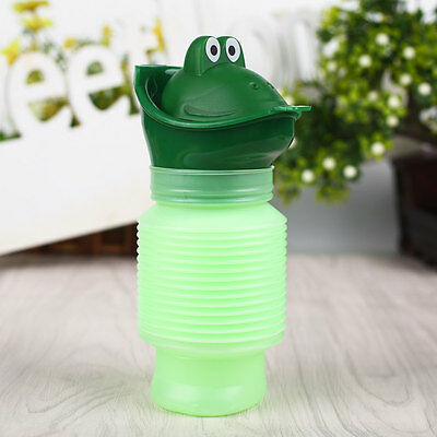Kids Portable Urinal Travel Outdoor Camping Car Potty Pee Bottle 600ml Green