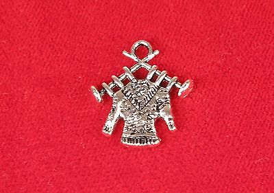 120 pieces Antique silver crown heart Knitting Queen charms 26x17mm H-4798