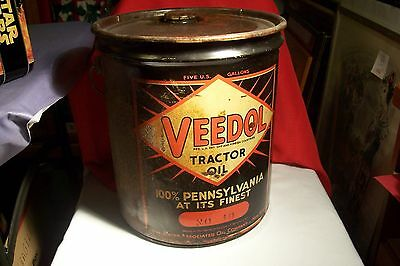 Veedol Tractor Oil - 5 Galon Can With Wood Handle.,  L-B484