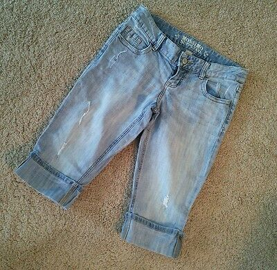 MOSSIMO Women's Blue Jean Shorts Well Worn & Distressed~Size 5