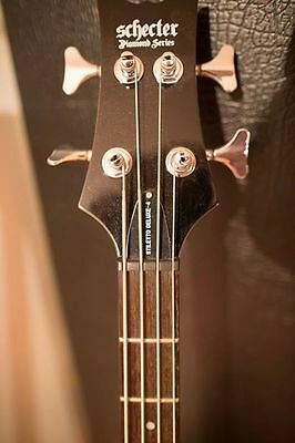 Schecter Diamond Series Bass 4 String with Road Case