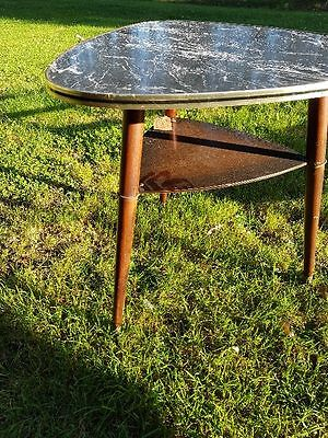 Kidney-shaped Table Mid Century Rockabilly Cocktail Table 1950s 1960s Sputnik