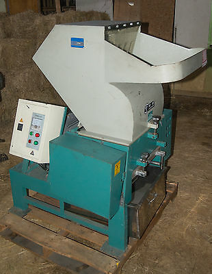Jiayuan 12 x 18 15HP PLASTIC GRINDER (Used With Blown Film)