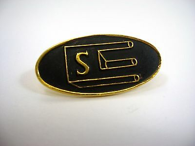 Vintage Collectible Pin: Letter S Impossible Trident Optical Illusion Design