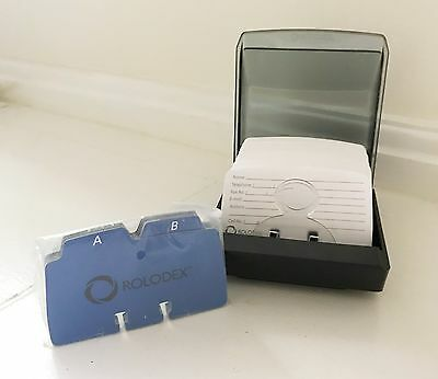 ROLODEX PETITE Covered Tray With 250 File Cards And Index Separators