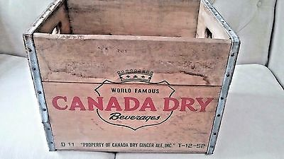 Wooden Crate 1952 Canada Dry Beverages Ginger Ale.