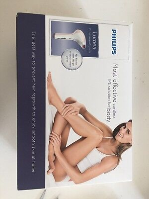 Philips Lumea IPL Laser Hair Removal System SC2004/11