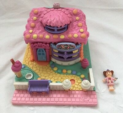 1995 Bluebird Polly Pocket SCENTED ICE CREAM PARLOUR Complete 2 Dolls