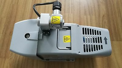 Agilent IDP-3 Scroll vacuum pump with inlet valve. pn IDP3A21. 230 VAC / 50 Hz