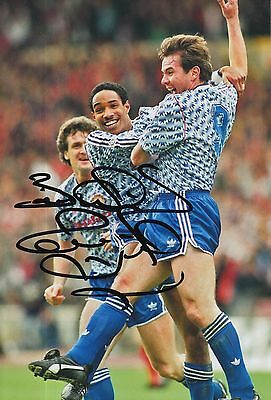 Paul Ince Hand Signed Manchester United 12x8 Photo.