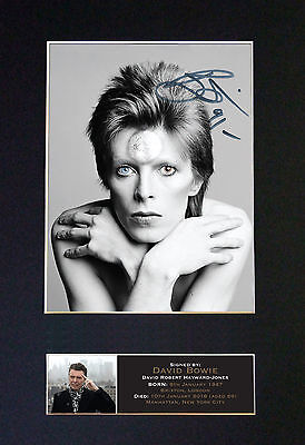 DAVID BOWIE / ZIGGY - Collectors Signed Photo + FREE WORLDWIDE SHIPPING