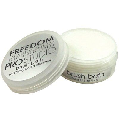 Freedom Pro Studio Brush Bath Cleanser Solid 100 ml Pinselseife Makeup