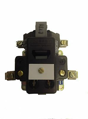 Square D AC Magnetic Relay - 100V Coil - DO-O2