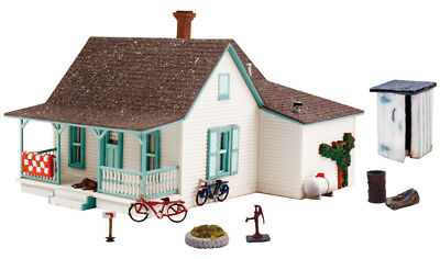 Woodland Scenics HO Scale Pre-Fab Building/Structure Kit Country Cottage