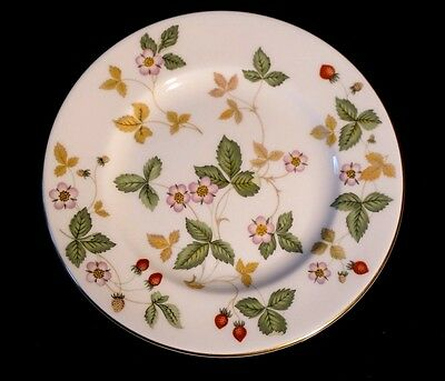 Beautiful Wedgwood Wild Strawberry Bread Plate