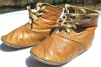 ANTIQUE Pair SOFT LEATHER Mrs. DAYS Ideal BABY Doll SHOES 4 3/4 Inches