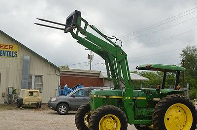 John Deere 2550 tractor with 245 loader  **4x4**