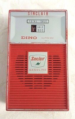 Vintage 1960s Sinclair Gasoline Dino Supreme Red Gas-Pump Transistor Radio