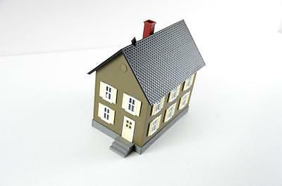 Rail King  O scale row house brown with cream shutters new, never displayed