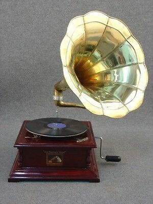 Gramophone with horn HIS MASTER'S VOICE wood and brass WORKING SQUARE