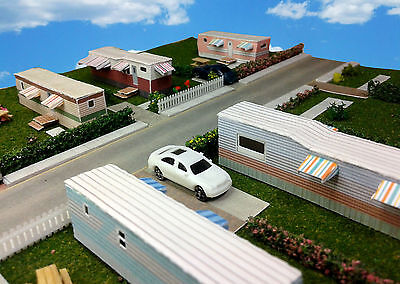 Z Scale Buildings - Mobile Home Trailer Park Homes Cardstock kit set TH2