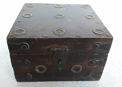 Vintage Reproduction Wooden Storage Trinket Jewelry Box Chest Decorative Art
