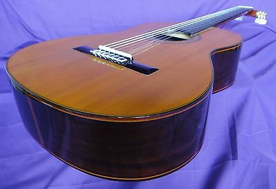 Rare Vintage Concert Classical Guitar -  Made in Japan 1974