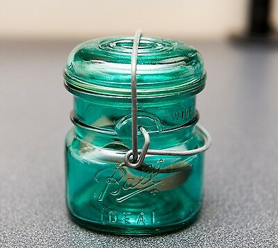 BALL IDEAL BLUE 1/2 Pt. CANNING PRESERVE JAR W/ GLASS LID AND SEAL VINTAGE