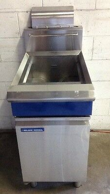 COMMERCIAL CAFE RESTAURANT BLUE SEAL GT45  LPG Heavy Duty Deep Fryer