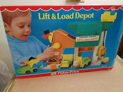 Vintage Fisher Price 942 Play Family 1977 Lift N' Load Depot New Never Played