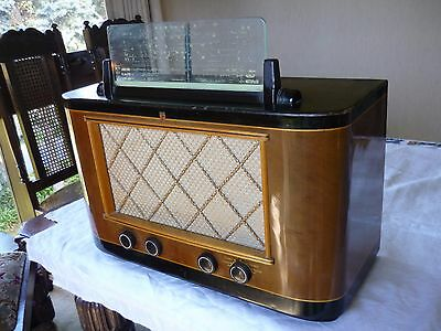 Vintage PHILIPS Valve Tube Radio in Wooden Case Model 125 -Perfect Working Order