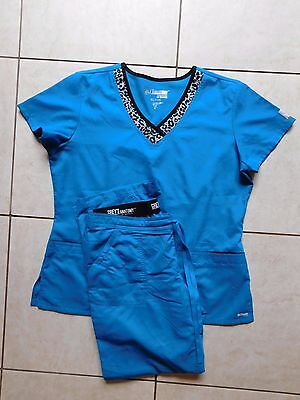 Grey's Anatomy Scrub Set, Size Extra Large ACTIVE top, Large Pants, Animal Print