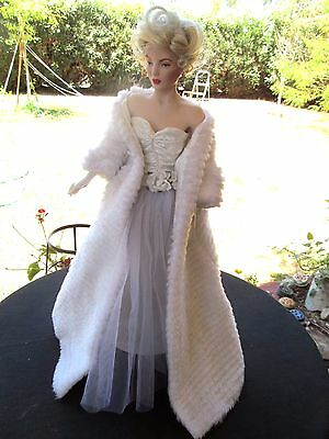 "Marilyn Monroe Franklin Mint 20"" Porcelain Doll All About Eve White Faux Mink"