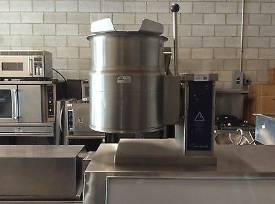 Cleveland KET-6-T Tabletop Electric 6 Gallon Tilting Steam Jacketed Kettle