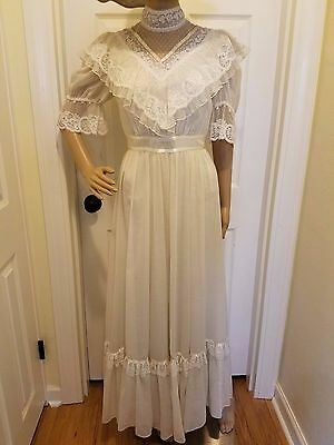 Authentic Vintage Gunne Sax Women's  Size 7 Off White Wedding Gown Dress