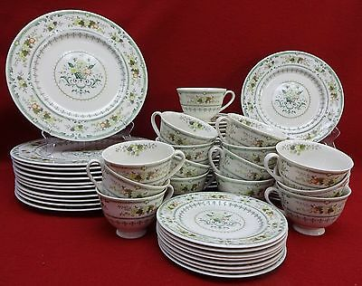 ROYAL DOULTON china PROVENCAL TC1034 pattern 68-piece SET SERVICE for 12