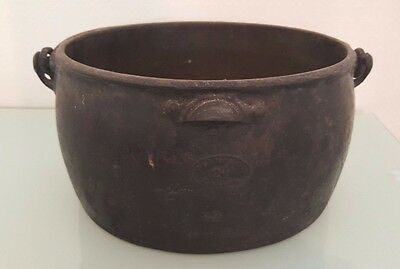 FAB Large Antique Cast Iron Cooking Pot (2.5 gal) by B & C Clark & Co England