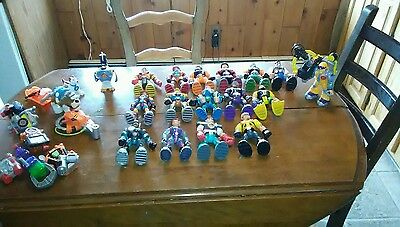 Lot of 16 Mattel  Rescue Heroes Action Figures , Animals and acces. 26 pieces