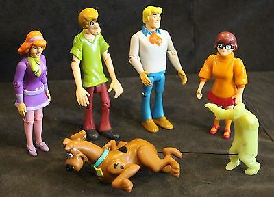 "Cartoon Network, Scooby Doo & Gang 4.5"" Inch Tall Figure Set w/ Glowing Ghoul"
